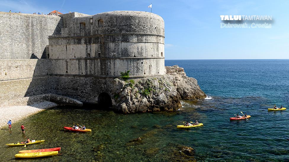Kayaking @ Dubrovnik, Croatia : เห็นน้ำทะเลเขียนใส ผมนี่ อยากพายคายัค เลยครับ
