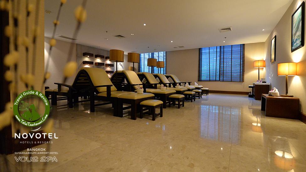 Foot massage Room Type ห้องแรกที่ เข้าไปชม คือ ห้องนวดฝาเท้าครับ มาเป็นกรุ๊ฟ สบายเลย