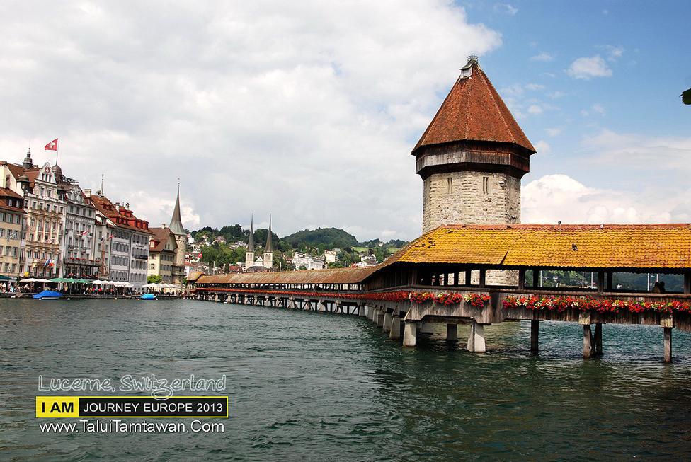 Chapel Bridge - Lucerne : สะพานไม้เก่าแก่ ที่คงเป็นเอกลักษณ์ ของ Luzern